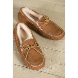 羊皮の女性の偶然のモカシンのなまけ者の靴