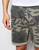 Shorts del Chino degli uomini con la stampa di Camo