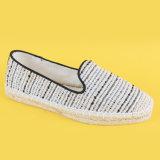 Neuestes verursachendes Streifen-beige Segeltuch-preiswerte flache Espadrille-Schuhe