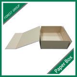Подгоняйте коробку подарка бумажной магнитной квартиры закрытия складывая
