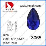 Het Kristal van de daling naait op het Bergkristal van het Kledingstuk van de Steen