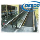 Trottoir mobile d'intérieur de centre commercial d'escalator