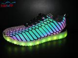 Chaussures de course d'éclairage LED supérieur de bonne qualité d'unité centrale pour l'adulte et les gosses avec le chargeur d'USB