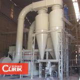 Preto de carbono que processa a máquina do moinho