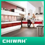 BenchtopおよびHardwareの木製のKitchen Cabinet