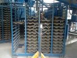 Mattonelle di tetto concrete del cemento che si formano facendo macchina