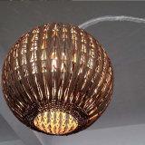 De Chinese Staand lamp van de Verlichting van de Vissen van de Lantaarn van de Rotan van het Brons van de Stijl