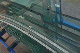 Disponible en claro y vidrio laminado coloreado de PVB