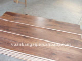 Настил хорошего качества проектированный партером деревянный