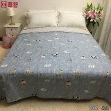 ホーム使用の寝具によってキルトにされるベッド・カバー