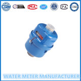 Mètre d'eau volumétrique dans la couleur bleue