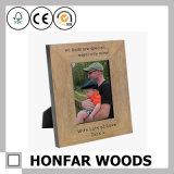 Geschenk-festes Holz-Bilderrahmen des Tages mit dem Zoll graviert