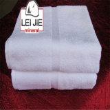 I tovaglioli dell'hotel del cotone di alta qualità nell'OEM di prezzi di promozione è giusti