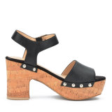 Sandálias da plataforma da cortiça das mulheres dos saltos elevados de sapatas de couro da senhora Rebitação