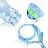 Пластичная бутылка подавая воды для младенца малышей