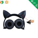 Cuffie sveglie d'ardore stereo collegate modo dell'orecchio di gatto