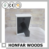 Белая или черная деревянная картинная рамка коробки тени деревянная
