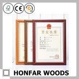 Het moderne Bruine Houten Frame van de Foto van het Certificaat voor het Decor van de Desktop