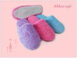 女性TPRの柔らかい珊瑚の綿毛の屋内スリッパ