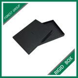 Boîte-cadeau noire de bijou de carton avec le couvercle