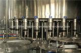 Relleno del agua mineral y equipo automáticos del lacre