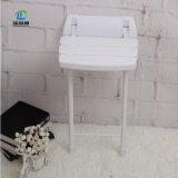 安全壁に取り付けられた折られた浴室の椅子のハンディキャップのシャワーの腰掛け