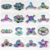 Het kleurrijke Stuk speelgoed van de Hand van de Spinner van de Vinger van het Metaal van de Regenboog van de Spinner Tri friemelt Spinner