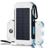 côté imperméable à l'eau portatif de l'énergie 8000mAh solaire avec la torche