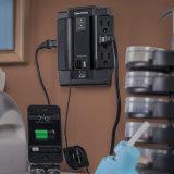Giro da tomada do protetor de impulso 6-AC com 2 portas cobrando do USB