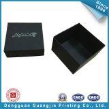 Cadre de empaquetage personnalisé de cadeau rigide de papier gravé en relief par noir