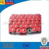 Catena del motociclo del giunto circolare con i piatti rossi