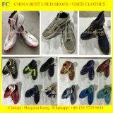 Дешевые гуляя ботинки использовали ботинки Mens для африканца