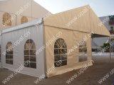 屋外の結婚披露宴のイベントのための500人のおおいの玄関ひさしのテント