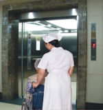 Elevatore elettrico sicuro conveniente dell'ospedale della base 2016