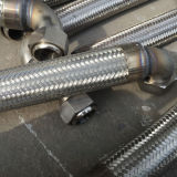 Manguito trenzado del metal flexible del alambre del acero inoxidable 304 de la alta calidad