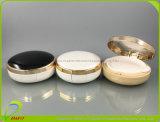 Élégant avec la poudre compacte compacte ovale noir clair