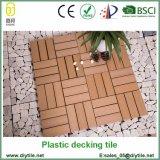 Mattonelle esterne del PVC di DIY che collegano le mattonelle di pavimento di plastica