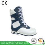 優美の健康は子供の治療上のブートの矯正的な靴に蹄鉄を打つ