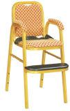 レストランのための椅子を食事している耐久の赤いファブリック子供