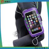 L'esercitazione mette in mostra il bracciale del sacchetto del braccio del telefono mobile per iPhone6s