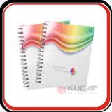 Cuaderno de papel colorido de la escuela de la fuente de escuela