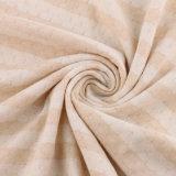 赤ん坊のためによい有機性織物を編む有機性綿織物