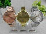 Yxl-415 het nieuwe Horloge van de Vrouwen van de Kleding van de Band van de Plaat van het Polshorloge van de Dames van het Roestvrij staal van het Kwarts van de Manier Gouden Dunne