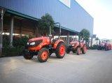 504農場トラクターを運転する車輪のトラクター4の車輪
