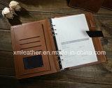 Raccoglitore del diario del coperchio del cuoio del Brown di stile dell'annata con il blocchetto per appunti