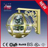 Indicatore luminoso decorativo dell'albero di Natale della lampada da parete del globo caldo della neve