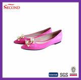絶妙な本革の女性の方法靴のスリッパ