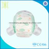 Pañal disponible del adulto de los pañales del bebé