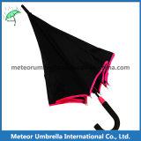 Das abgleichende bunte automatische Fiberglas-Feld öffnen Mann-Regenschirm