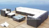 Sofás secionais usados Rattan